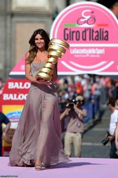 Alessia Ventura arriving with the winners trophy at Napoli Piazza del Plebiscito