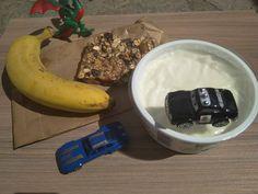Ιδέες, προτάσεις και πειραματισμοί για το Lunchbox των παιδιών μας, μετά την απόφαση να στείλω το μικρό μου στο ολοήμερο νηπιαγωγείο. Mission Possible, Lunch Box, Banana, Fruit, Food, Essen, Bento Box, Bananas, Meals