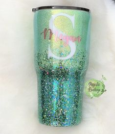 Mint and Green Glittered Tumbler with Name and Initial by Majestic Buckeye Glitter Projects, Vinyl Projects, Glitter Crafts, Diy Tumblers, Custom Tumblers, Personalized Tumblers, Personalized Items, Glitter Cups, Green Glitter