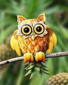 Owl Fruit and Vegetable Carving - Food Carving Ideas Photo Fruit, Fruit Picture, L'art Du Fruit, Fruit Art, Fruit Salad, Banana Fruit, Fresh Fruit, Deco Fruit, Fruit Sculptures