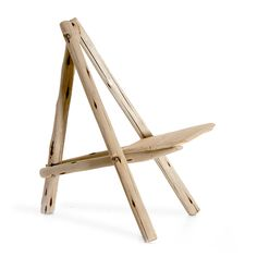 The Urban Fisherman, designed by Richard Stratford, is a portable lightweight, flat-pack chair, handmade from locally sourced invasive timber. Woodworking Guide, Custom Woodworking, Woodworking Projects Plans, Teds Woodworking, Outdoor Chairs, Outdoor Furniture, Outdoor Decor, Rustic Chair, Weekend Projects