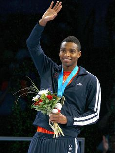 Swimmer Cullen Jones is one of our fave Olympic athletes!