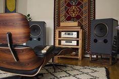 Audio Vintage, Sound Room, Vinyl Room, Vinyl Storage, Audio Room, Scandinavian Interior Design, Room Setup, Audiophile, Living Room Sets