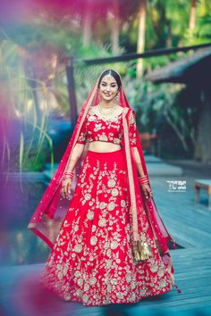 Bridal Wear - The Bride Nishaa! Red Wedding Lehenga, Wedding Lehenga Designs, Indian Wedding Gowns, Indian Bridal Outfits, Indian Bridal Lehenga, Indian Bridal Makeup, Indian Gowns, Bridal Dresses, Indian Weddings
