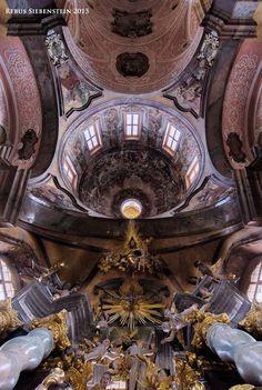#DE #Neuzelle #Kloster  #EvangelischePfarrkirche #ZumHeiligenKreuz  #AltarundKuppel #Innenansicht