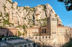 #RoamThePlanet via the Square - tour trending - Montserrat Tour from Barcelona Including Lunch and Wine Tasting in Oller del Mas