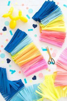 Big Rainbow Fringe Garland Oh Happy Day Mason Jar Crafts, Mason Jar Diy, Craft Tutorials, Craft Projects, Diy Party Dekoration, Diy Girlande, Diy And Crafts, Paper Crafts, Colorful Party