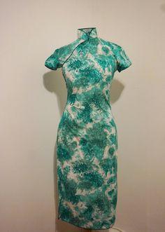 Vintage 40er Jahre Grün gedruckt Kleid S M von BattingLashesVintage