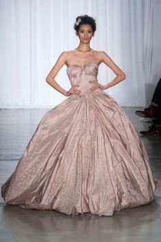 Zac Posen http://chicfiles.blogspot.com/2013/09/spring-2014-new-york-fashion-week.html
