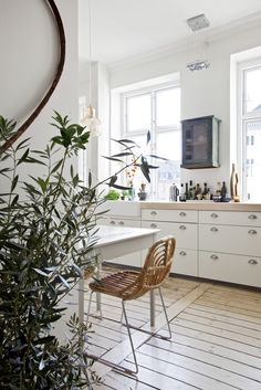 design attractor: Stylish Danish apartment with a hint of French charm