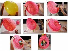 Knutsel idee voor pasen. je kunt een bakje lijm aanmaken en daar de draad inleggen. De ballon wordt kapot geprikt dus daar hoeft het niet aan vast te plakken (is niet erg als het wel gebeurd). De draad moet vooral goed met lijm zijn 'ingesmeerd' zodat die stevig wordt. Dus daarom een bakje met de lijm aanmaken draad erin en vandaaruit om de ballon gaan wikkelen. Uiteindelijk plak je helemaal maar dat is ook wel weer lollig! Veel plezier met het maken