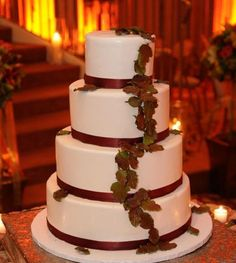 Brown Green Fall Round Wedding Cakes Photos & Pictures - WeddingWire.com
