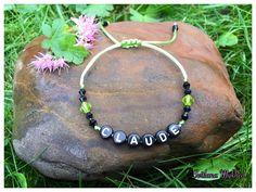 """Bracelet """"Claude"""" . Bracelet avec message ou prenom personnalisable perles acryliques multicolores : Bracelet par perles-et-couronnes"""