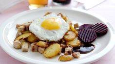#Danish biksemad, which is a scandinavian hash dish with meat, potatoes, beetroot and fried egg.
