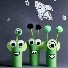 Crafts for Kids Crafts for kids Cardboard Aliens Craft Activities, Preschool Crafts, Fun Crafts, Space Crafts Preschool, Outer Space Crafts For Kids, Space Activities For Kids, Space Kids, Family Activities, Summer Activities