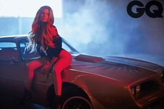 Khloe Kardashian shows off her hot figure in bodysuit for racy GQ photoshoot Boudoir Photography Poses, Boudoir Poses, Car Photography, Shooting Photo Boudoir, Khloe Kardashian Show, Car Poses, How To Pose, Sexy Cars, Videos