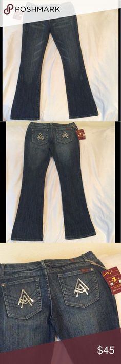 Seven jeans. Vintage. Wide leg. New. Very nice detailed pockets Seven jeans Seven7 Jeans Flare & Wide Leg