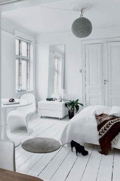 white retro ❥