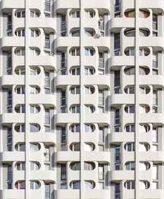 SciFi. Plac Grunwaldzki Estate, also known as «Sedesowce» or «Manhattan» in Wroclaw, Poland. Design by Jadwiga Grabowska-Hawrylak, built 1970-1973.