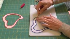 Learn how to do beautiful, invisible, turned-edge appliqué using your home sewing machine and a simple zigzag stitch. Here I show an easy method for invisible appliqué that will allow you to produce precise, neat edges to your appliqué shapes. Machine Applique, Free Machine Embroidery Designs, Machine Quilting, Thread Painting, Fabric Painting, Fabric Art, Quilting Tips, Quilting Tutorials, Quilting Designs