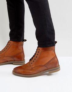 c3b60dd83dd9 Base London Hurst Leather Brogue Boots In Tan. Chaussures Formelles Pour  HommesBottes À Lacets ...