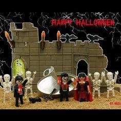 Halloween clickero 2 #Halloween #quemegustaunclick #clickmania #playmobil #playmobilfan #playmoart #playmoarte #toyplanet #toyphotography #playmobililove #mylife #vampire #dracula