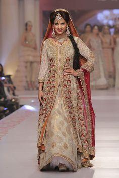 Sarah Gandapur Telenor Bridal Couture Week 2015