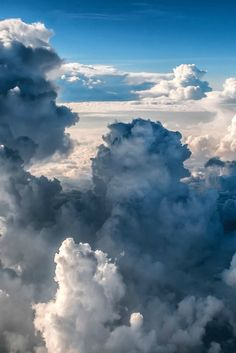 Many photographers enjoy taking pictures of clouds, and it's easy to see why. From the vivid patterns and brilliant suns. Storm Clouds, Sky And Clouds, Scenery Pictures, Cool Pictures, Tornados, Great Works Of Art, Digital Photography School, Sky Aesthetic, Above The Clouds