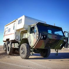 She is a flexy one. #expeditionvehicle #expeditionportal #camperlife #vanlife #hemtt #militarytruck #fiveton #badass #cummins #cumminspowered #6ct #solidaxle #6x6 #overland #offroad #keepexploring #milspec #overland #unimog #vanlife #homeiswhereyouparkit #exploremore #solidaxle #flex #flexxin