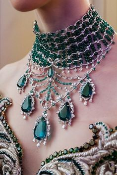 Jewelry Necklace Monday requires something fabulous and this is most certainly it! A stunning emerald necklace by Emerald Necklace, Emerald Jewelry, Diamond Jewelry, Body Jewelry, Fine Jewelry, Women Jewelry, Fashion Jewelry, Jewelery, Jewelry Necklaces