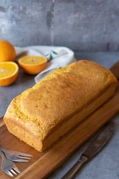 Super easy orange cake recipe, just put all the ingredients in the blender and blend them away, that's how easy this recipe is :) Easy Cake Recipes, Raw Food Recipes, Great Recipes, Keto Recipes, Dessert Recipes, Sheet Cake Pan, Italian Dinner Recipes, Food System, Mini Chocolate Chips