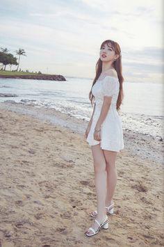 Twice - Nayeon feet r/kpopfeets Kpop Girl Groups, Korean Girl Groups, Kpop Girls, Rapper, Nayeon Twice, Twice Kpop, Im Nayeon, Famous Models, Entertainment