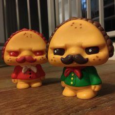 """Paco Taco: Diseñado por Scott Tolleson y producido por Pobber, este personaje cuenta con dos versiones """"Signature Taco"""" y """"Hot Taco""""..."""