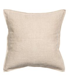 Mustard yellow. PREMIUM QUALITY. Cushion cover in washed linen fabric with a concealed zip.