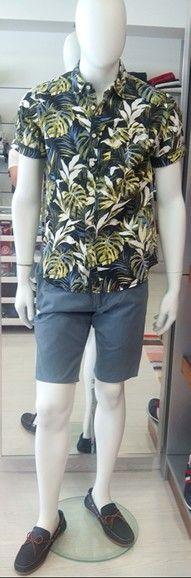 Bermuda Dockers+camisa Garcia Jeans y mocasines Martinelli