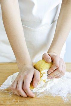 Gluténmentes tészta készítés sikérhelyettesítőkkel. Sin Gluten, Lactose Free, Garlic Bread, How To Make Bread, Superfood, Gluten Free Recipes, Free Food, Sugar Free, Healthy Living