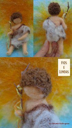 João Menino. Figura elaborada em fetragem com agulha, articulada, medindo 11cm. Para Mesa de Época ou decoração. Needle Felting