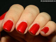 OPI Couture de Minnie Collection Innie Minnie Mighty Bow