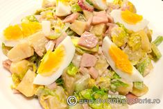 salata-de-cartofi-cu-sunca-si-verdeturi_1 Cobb Salad, Broccoli, Potato Salad, Salads, Potatoes, Cooking, Ethnic Recipes, Food, Meal