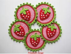 crochet coaster - Strawberries