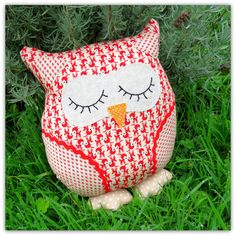 Christmas owl. 23cm tall owl pillow. Owl by TheSherbetPatch
