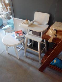 #mercadoloftstore #umseisum #porto #decor #kidsdecor #kids #store #colour #white #wood #woodentable #woodenchair #cuttingboard #pião traditional #sidetable #simple #decoração #interior #interiordesign
