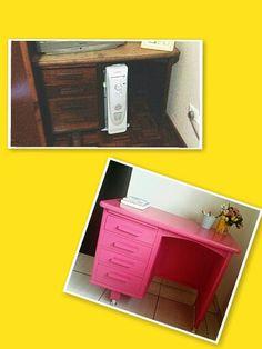 Escrivaninha de madeira restaurada pela Muleka,  ficou linda laqueada na cor Pink , arrasou!