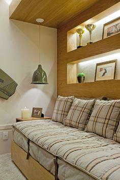Revestimentos nobres no norte do Brasil (Foto: Carlos Piratininga / divulgação) Living Area, Living Room, Kids Lighting, Little Houses, Boy Room, Kids Bedroom, Home Office, Small Spaces, Home Goods