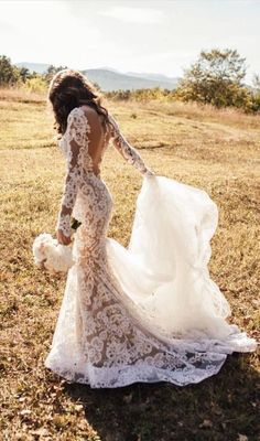 Romantic Wedding Dresses Long Appliques Backless Wedding Dresses Lace TN0049
