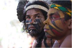 """_MG_8571 Indios assistindo  no XII Jogos dos Povos Indigenas em Cuiabá, Mato Grosso, Brasil. """"o importante não é ganhar e, sim, celebrar"""""""