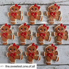 Loving these ginger girls by @the.sweetest.one.of.all  #thesweetdesignsshoppe #christmas #christmascookies #3dcookiecutters #christmas ookoecutters