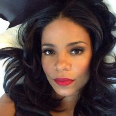Sanaa Lathan in Red Lips Take Great Selfies (with Great Hair!)