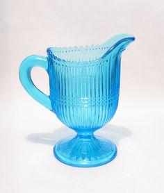 turkoosi kermakko nuutajärven lasi Tom Of Finland, Lassi, Glass Design, Blown Glass, Depression, Nostalgia, Turquoise, Crystals, Art
