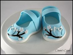 Cute, really have to try these...  http://cakesdecor.com/assets/pictures/cakes/49088.jpg